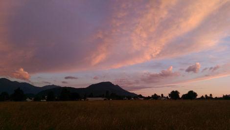 Dusk sky over Vedder Mountain