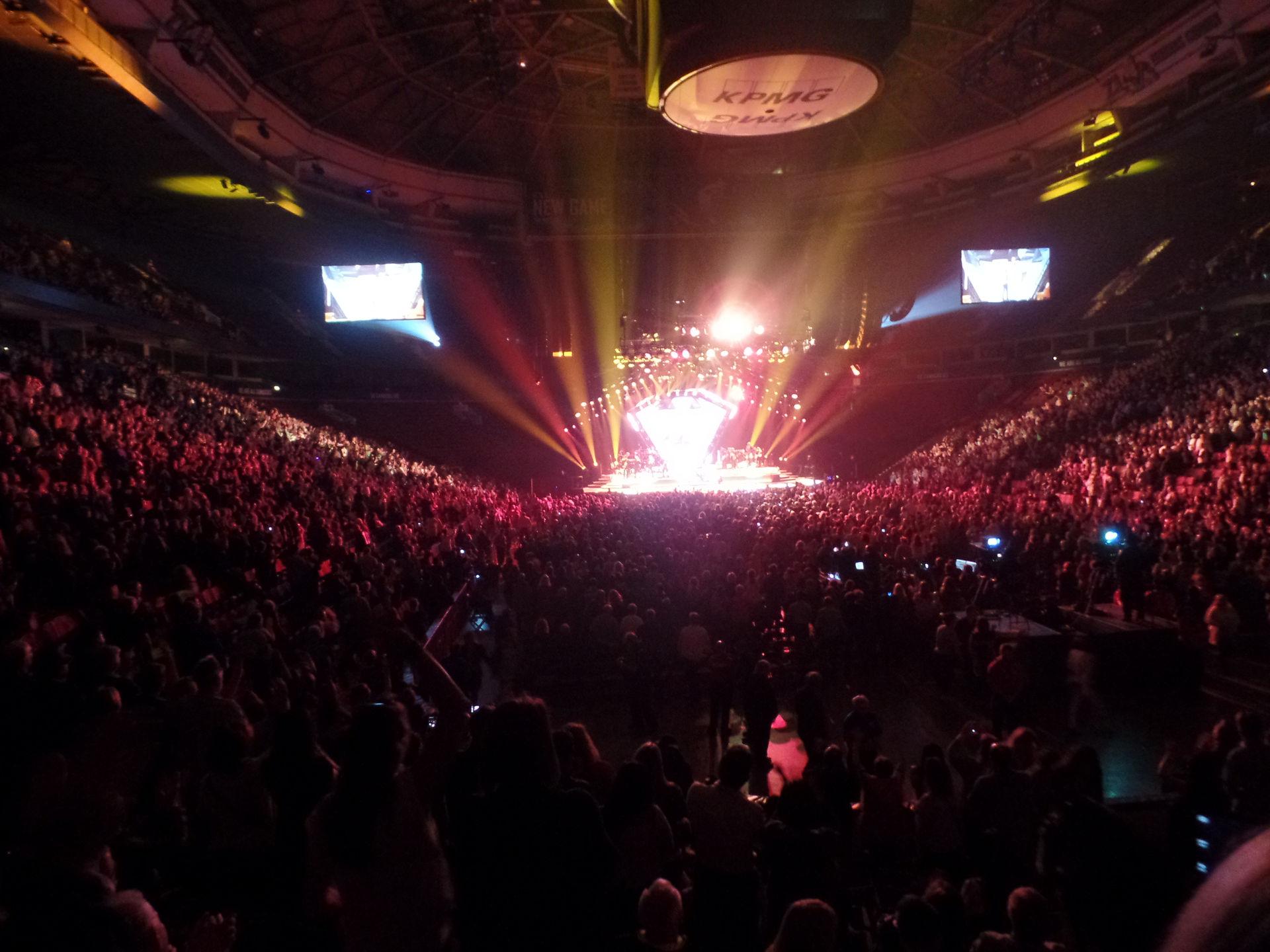 Neal Diamond concert Rogers Arena Vancouver