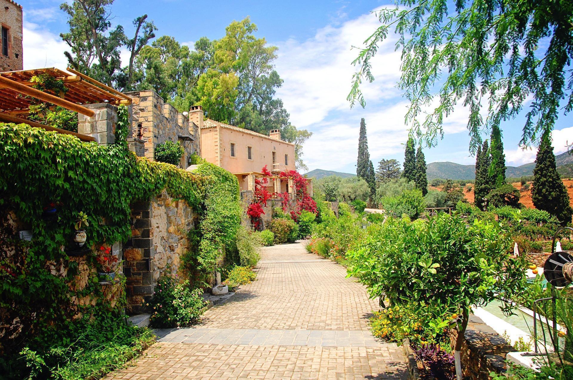 Luxury Hotel in Greece Countryside