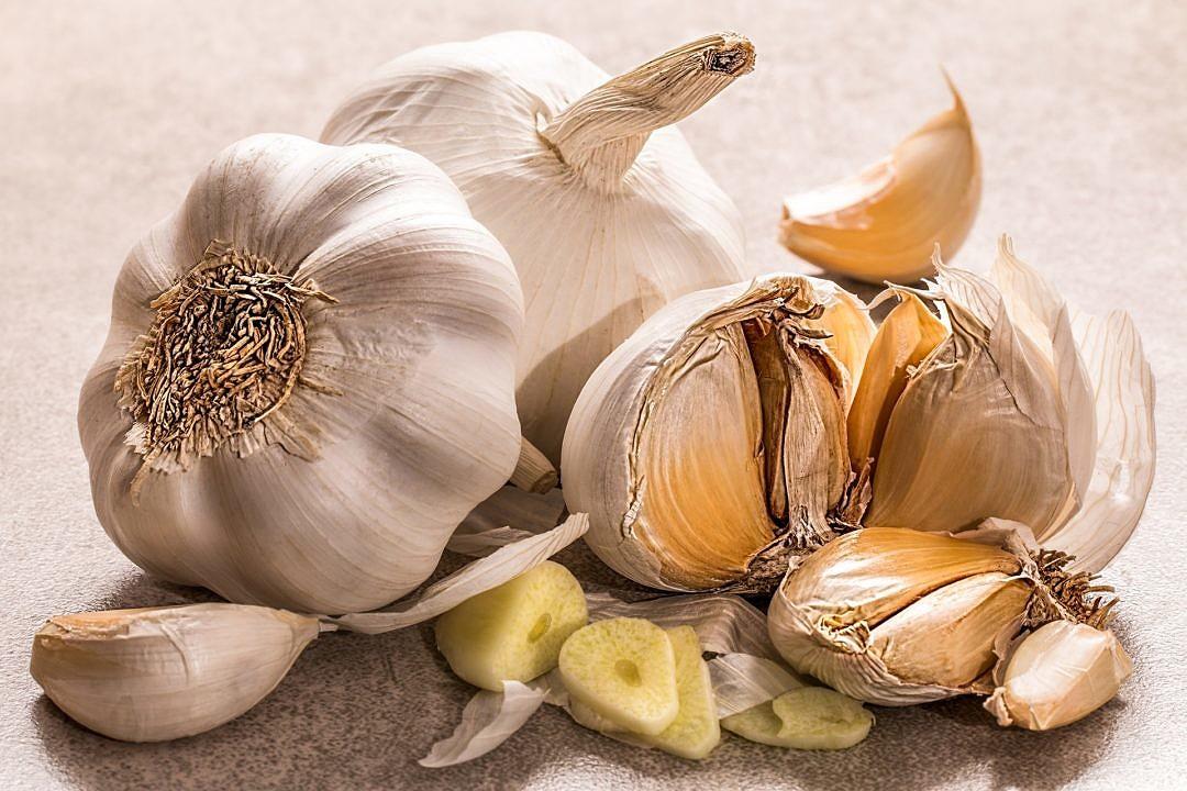 Whole and Chopped Garlic